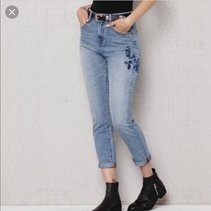 Pacsun Light Wash Mom Jeans